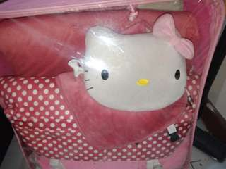 Hello kitty car full set accesories 4seaters cocok untuk mobil freed/ jazz/ expander/ avanza/ xenia