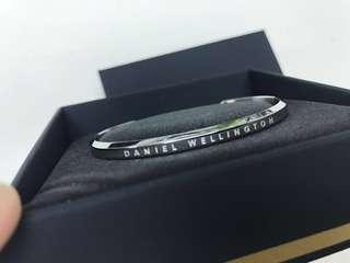 [減價照價9折] Daniel Wellington DW Bracelet CLASSIC CUFF SILVER SMALL 手扼