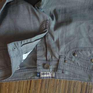 Nevada jeans 95% mulus size 30 slim fit abu-abu muda