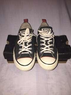 Sepatu Converse Black Red