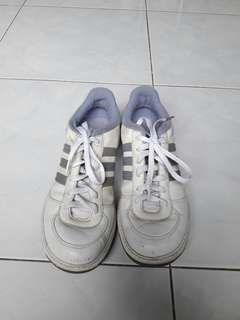 Size 9 Original Adidas Shoes
