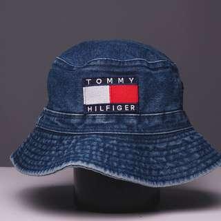Tommy Hilfiger Vintage Bucket Hat