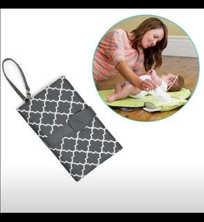 Portable Changing Pad Clutch