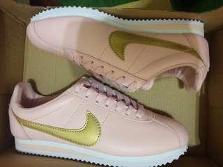 🚚 Nike 阿甘鞋 粉色 23.5