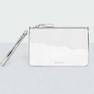 🚚 BRAND NEW Pull & Bear silver pouch