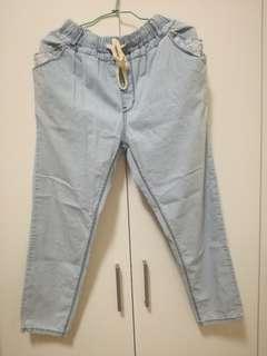 🚚 淺藍色薄牛仔長褲