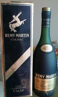 自家珍藏法國沙樽人頭`馬VSOP 干邑老酒70CL,保証100 %真品。