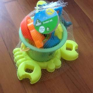 Beach toys with water toys