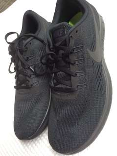 Authentic brand new nike free rn