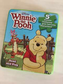 Winnie the Pooh - read & play with 5 puzzles!