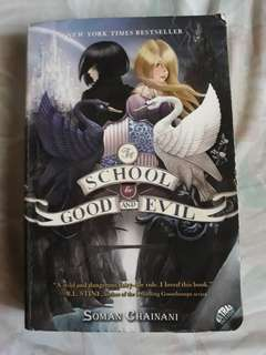 Preloved buku 'The School for Good and Evil'