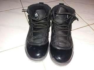 Sepatu basket ardilles
