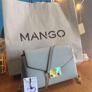 MANGO AUTHENTIC COUNTER