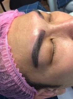 Eyelashes extensions or eyebrows