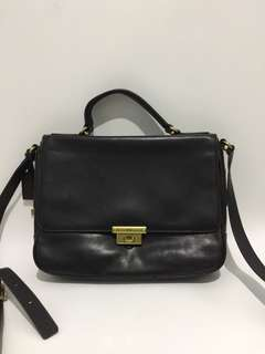Fossil Messenger Black