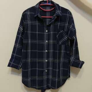 🚚 深藍格子襯衫 navy blue shirt