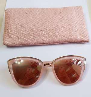 99% New Stradivarius 粉紅色太陽眼鏡