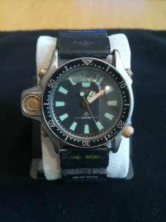 星辰潛水响鬧电子錶