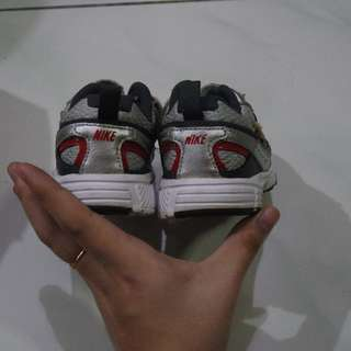 nike original boys shoes