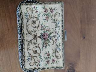 VINTAGE TAPASTERY CLUTCH