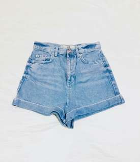 Topshop Mom Shorts in Light Washed