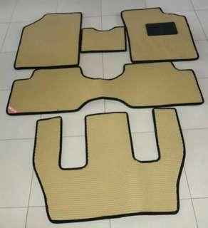 Karpet mobil Toyota Calya