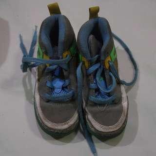 boys rubber shoes