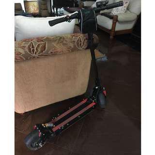 Dark Knight Scooter (Negotiable to $550) fast deal