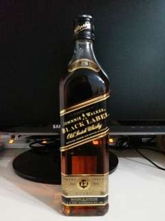 廿多年,舊版Johnnie Walker Black Label 12年威士忌700ml, no box日版 一支。