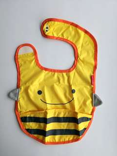 PRELOVED SKIP HOP ZOO TUCK-AWAY BIB YELLOW BEE - in excellent condition with small flaw