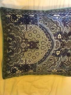 Camilla cushion large