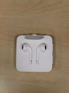 Brand New iPhone 8+ earphones