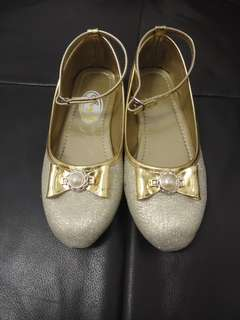 Kids shoes size 2