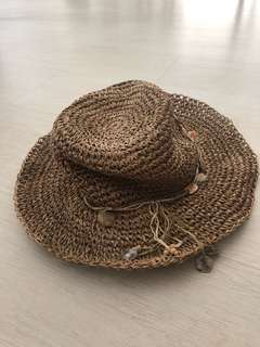 Women's straw floppy beach hat with shells