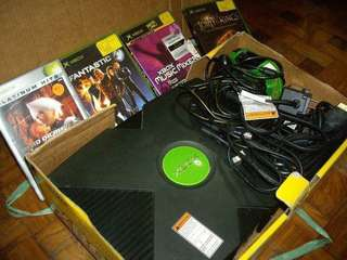 XBOX with 4 original CDs, 2 Controllers, 1 Power Supply
