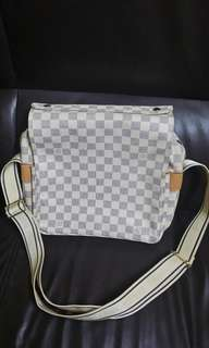 Lv azur large has code..goodcondition inside and outside.
