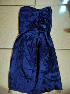 Dress biru tanpa lengan