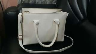 xinqidian white sling bag