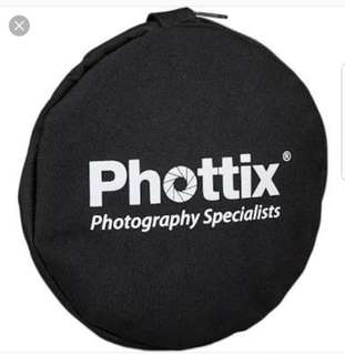 "Preloved Phottix 5-in-1 Light Multi Collapsible Reflector 56cm (22"") *bought in Dubai*"