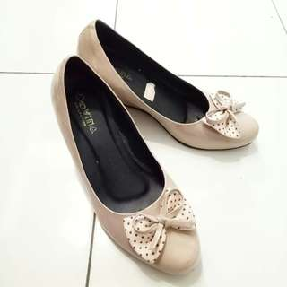 Wedges mocca like new💕