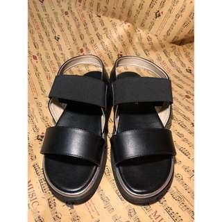🚚 富發牌 黑色皮革鬆緊涼鞋
