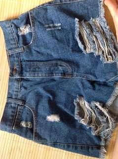 🚚 Someone 牛仔短褲