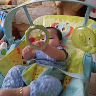mastela rocking chair/ bouncer