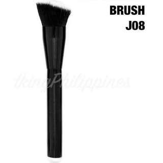 Flat angled brush j08