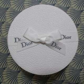 Dior扣針(全新)