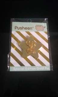 Pusheen gold pin
