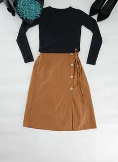 Buttoned down midi skirt
