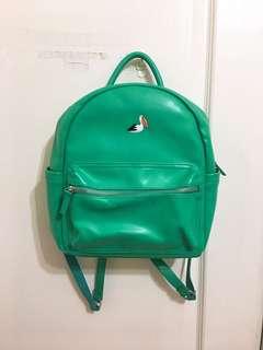 🚚 綠色皮革後背包