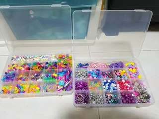 🚚 DIY Children's bracelets and necklaces and charms : 2 boxes of assorted beads