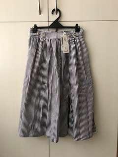 🚚 全新PAZZO法式高腰直紋休閒五分圓裙